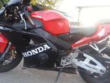 Honda CBR 954 RR 2002 г, бу